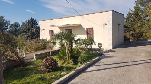 Villa singola In Pietra a 600 Metri Dalla Periferia