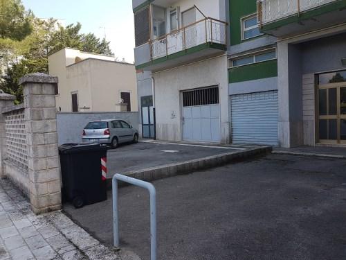 Monteleone immobiliare putignano vendita locale box auto for Comprare garage indipendente