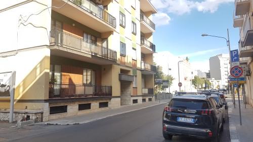 Zona Ospedale Appartamento al Primo Piano, Luminoso, Doppia Esposizione.