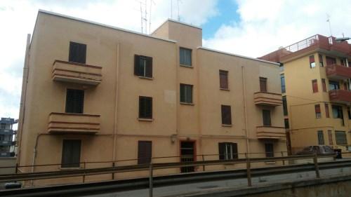 Appartamento Di Due Vani e Accessori Parzialmente Ristrutturato.