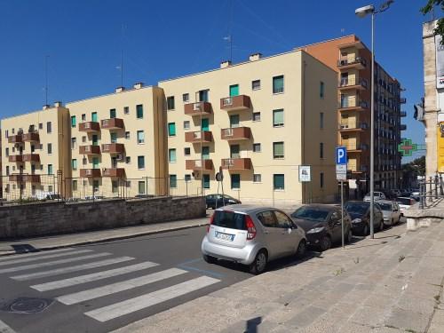 Centrale Appartamento di Tre Vani Oltre Accessori. Veduta Estr.le a Mezzogiorno.