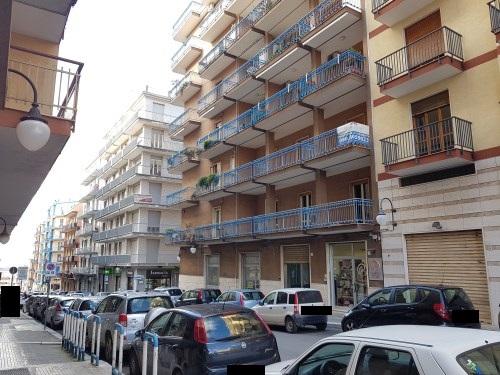 Centrale Appartamento Quadrivani con Ampi Balconi