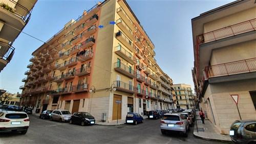 Centrale Appartamento di 2 Vani e Accessori