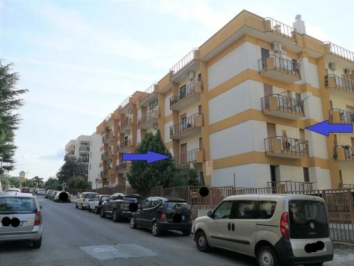 Appartamento Angolare Due Vani e Accessori Primo Piano Con Ascensore.