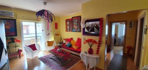 Appartamento In Ottime Condizioni di 4 Vani ed Accessori con Box Auto.
