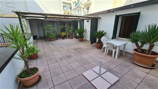 Appartamento Al II° Piano In Buono Stato Con Veranda E Terrazza A Piano.