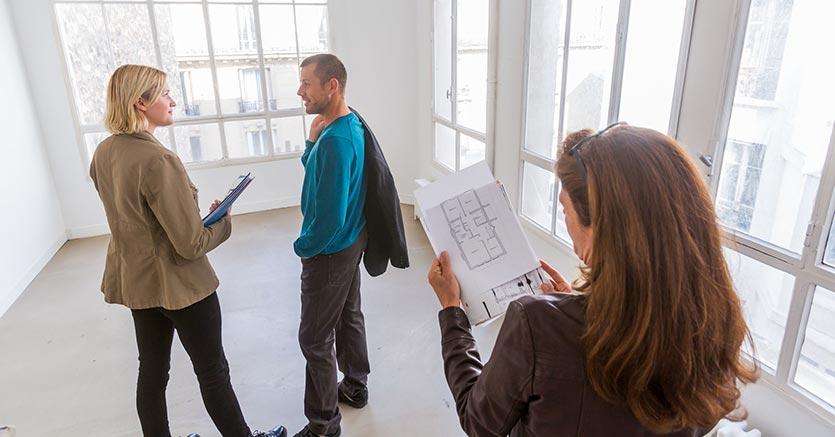 Aumenta la domanda di case e frena il calo dei prezzi.